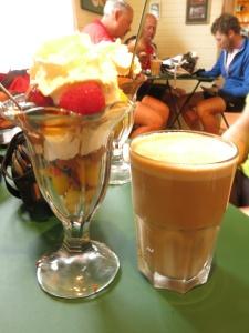 Dessert special & lattė - perfect combo