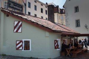 Bratwurst smokehouse