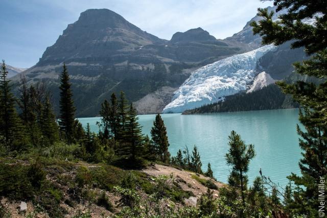 Berg Glacier & Lake