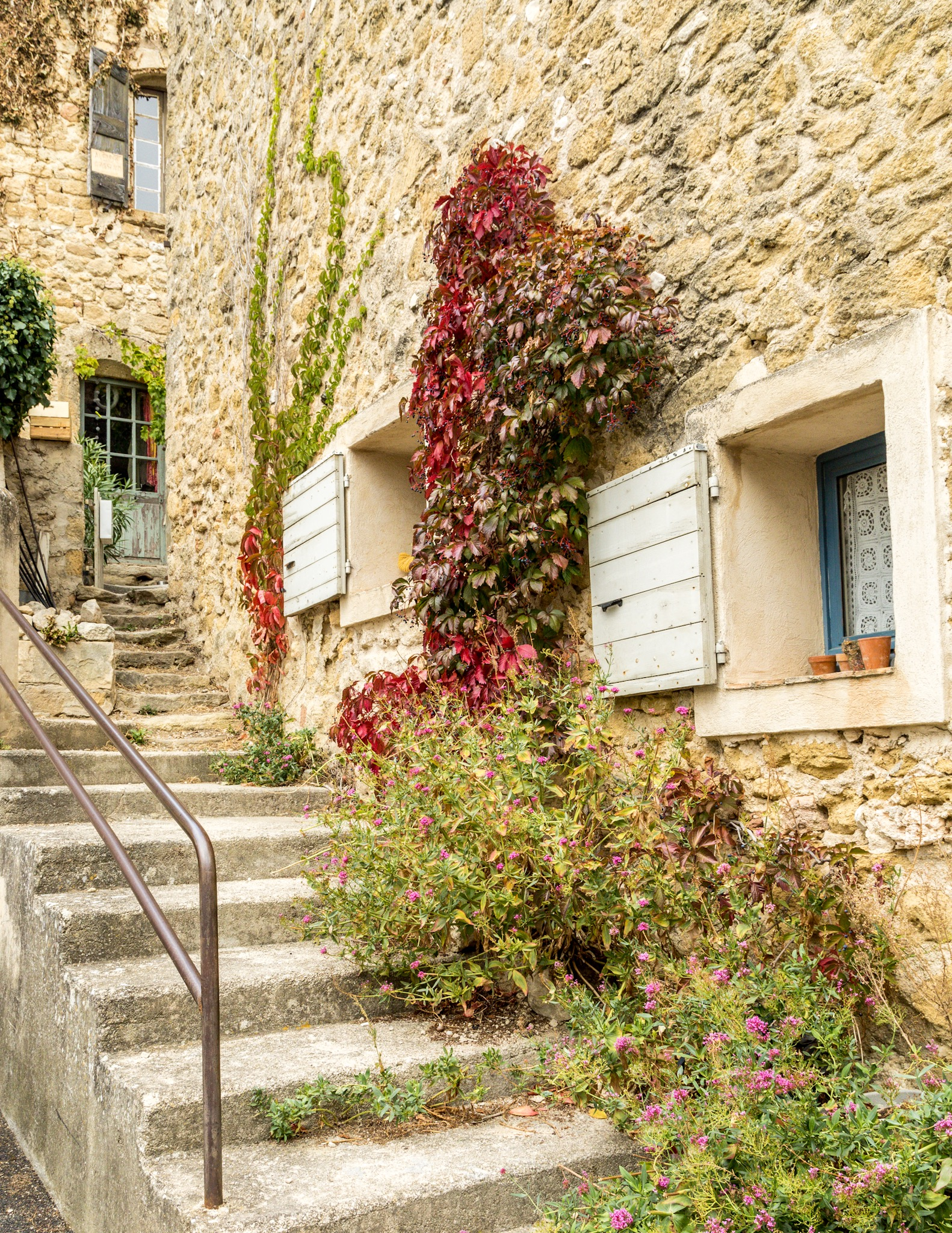 Bonnieux Lourmarin And Vaugines Wind At Your Back